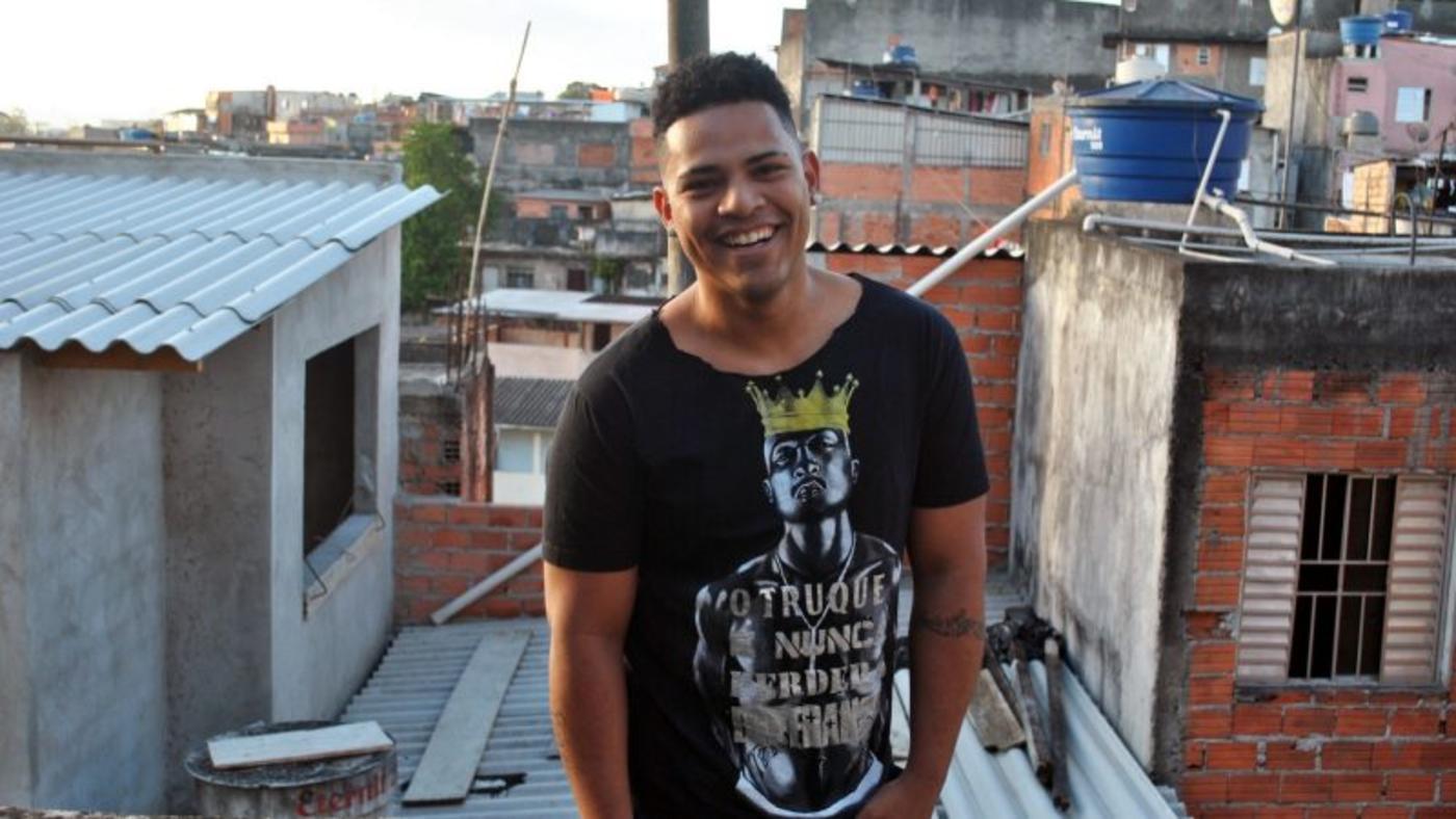 rencontre black gay music à Athis-Mons