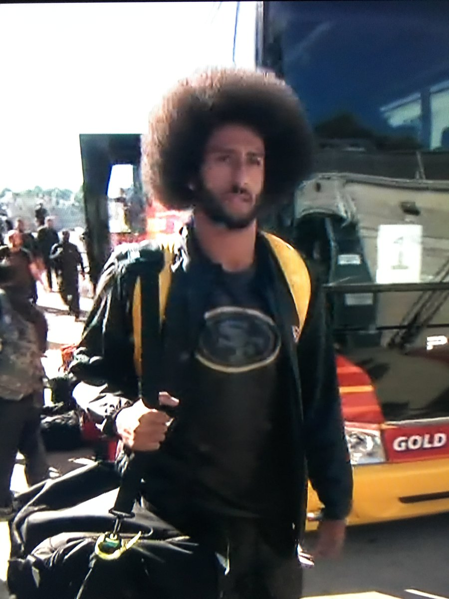 10 pics that prove colin kaepernick and his afro are everything crtm1ruiaab06xg voltagebd Images